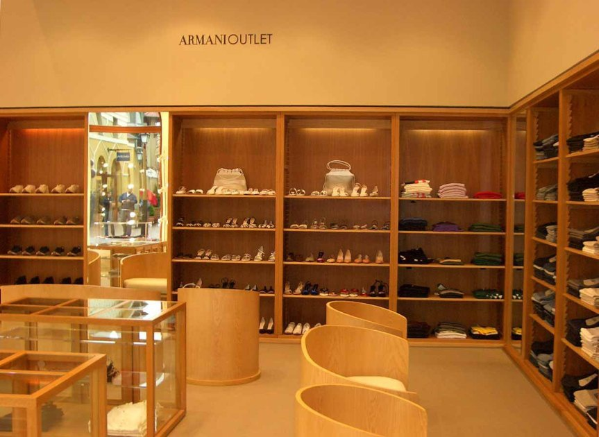 Armani Outlet Wertheim Negozio